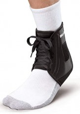 Спортивный бандаж на голеностоп Mueller XLP Ankle Brace